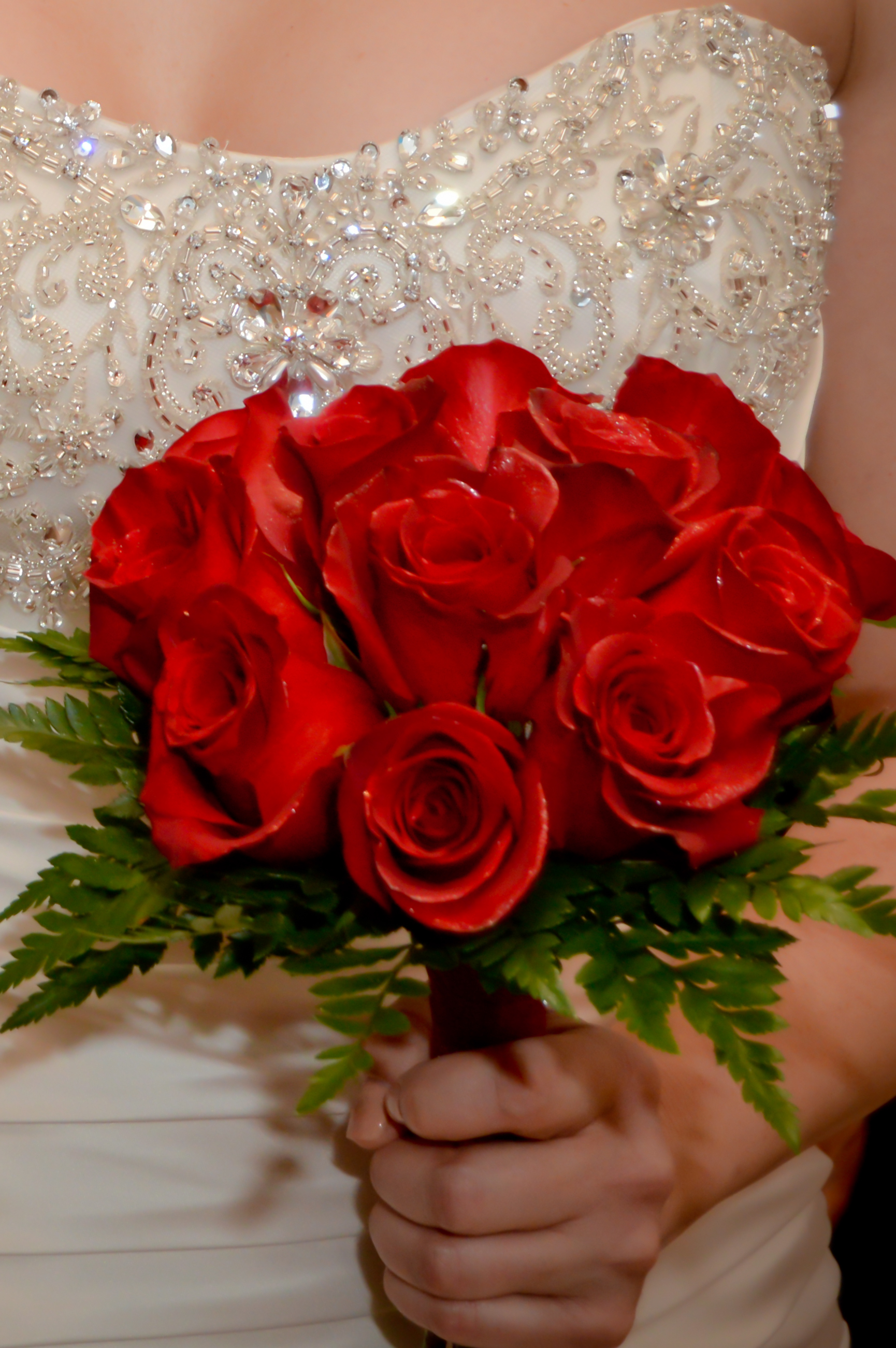red roses wedding bouquet twelve bouquets las vegas weddings 7010