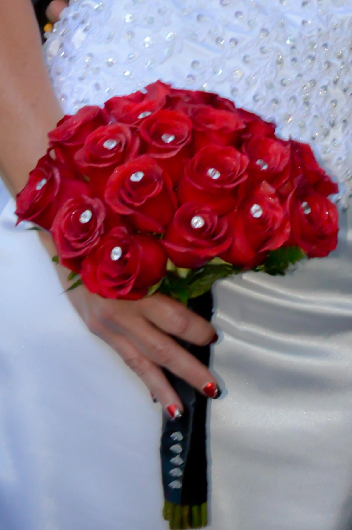 18 rose hand tied bridal bouquets las vegas weddings 18 rose hand tied bridal bouquet with fresh red roses izmirmasajfo