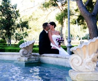 Wedding photography on the Vegas Strip: bride and groom kiss at the Venetian.