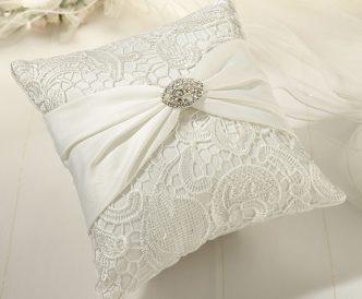 Creme Lace Ring Pillow
