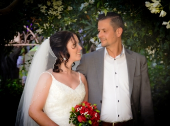 Posed wedding photography: we're married!