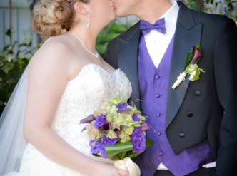 Posed wedding photography: just one more kiss.
