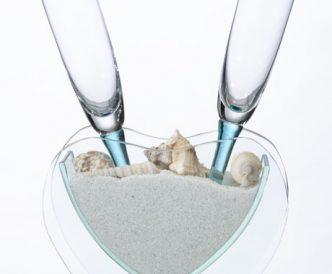 heart-vase-sand-toasting-glasses
