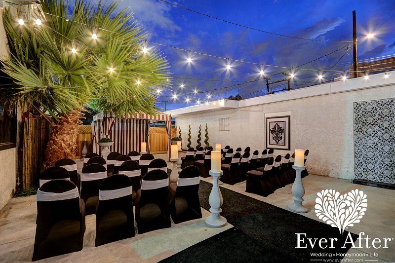 An Outdoor Wedding In Winter A Las Vegas Outdoor Wedding Is The