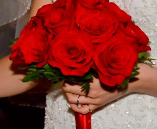 12-rose-bridal-bouquet-red