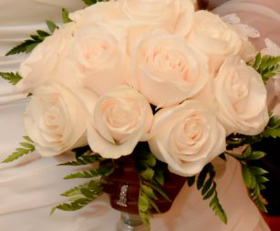 12-rose-bridal-bouquet-white