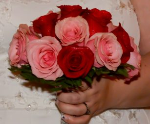 dozen-rose-mixed-bouquet
