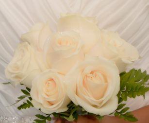 nine-rose-bridal-white3