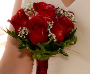 six-rose-bridal-bouquet-vegas