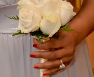 six-rose-bridal-bouquet-white